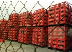 La embotelladora de Coca-Cola en España plantea una reestructuración que afectará a 1.200 empleados