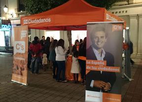 Ciudadanos (C's) Albacete comienza a 'patearse' la provincia: primera parada, La Roda