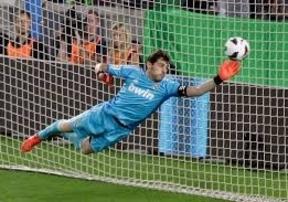 Casillas vuelve a la titularidad... en la Copa del rey, cuyos cuartos de final abren Espanyol y Real Madrid