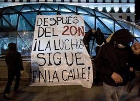 La crisis, eje central de la manifestación de 'indignados' frente al Congreso de los Diputados