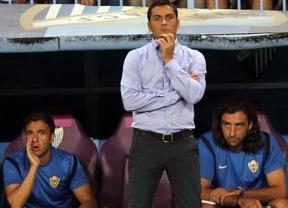 Francisco, cesado: la goleada sufrida por su Almería en Eibar le saca del banquillo