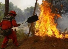 Incendios: tragedia en Alicante con dos muertos y pánico en La Gomera con 3.000 evacuados