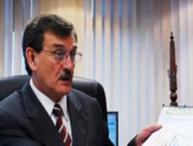 Griñán afirma que Arenas se ha metido en un