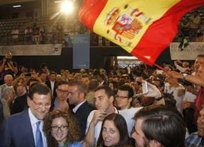 La elección directa de alcaldes, que beneficia al PP, será impuesta por Rajoy sin acuerdo con el PSOE