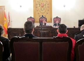 Condenan a 10 y 7 años a dos neonazis por intentar apuñalar a jóvenes de ideología opuesta en Toledo