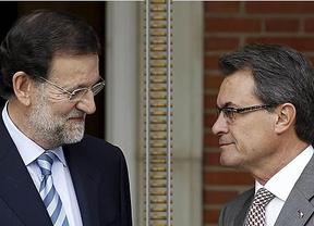 ¿Tomarán la vía del diálogo?: Mas y Rajoy se reencuentran con tensión en una inauguración del AVE