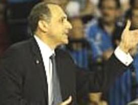 El técnico del Madrid de basket, Ettore Messina, habría dimitido