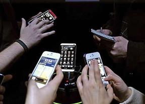 La Eurocámara vota a favor de un cargador de móviles único que reduzca residuos y costes