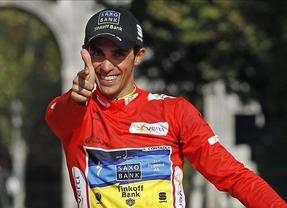 Contador se sitúa líder de la Vuelta en una jornada protagonizada por la caída de Quintana
