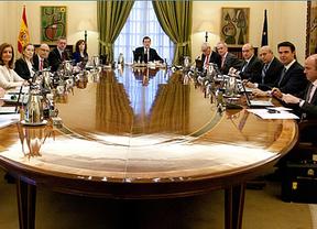 No importa que llueva: Fernández Díaz cree que Rajoy debería subirse el sueldo