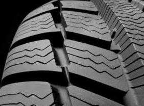 Desde el 1 de noviembre no se podrán vender los neumáticos con menor eficiencia y adherencia en mojado