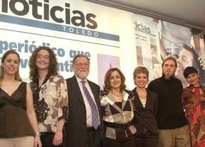 Julio García (en el centro) junto a parte del equipo de Noticias de Toledo