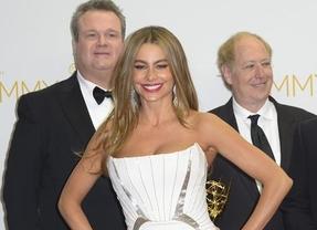 Sofía Vergara crea polémica al hacer de 'mujer objeto' en los Emmy