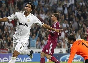 Un Real Madrid cada día con más pegada gana fácil a un Lyon asustado y blando (4-0)
