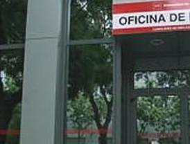 El Banco de España advierte de que un 40% de los desempleados vive en hogares con todos sus miembros en paro