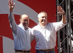 Otro problema más para el PSOE: Rubalcaba no comparte el derecho a decidir que propone el PSC