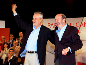 Griñán descarta cambios en su Gobierno y adelanto electoral