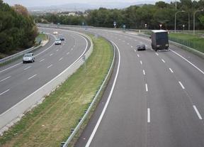 Tráfico quiere subir el límite de velocidad a 130 km/h, en plena polémica por kamikazes indultados y madridistas 'cazados' al volante