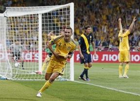 El incombustible Shevchenko lanza a la anfitriona Ucrania: 2-1 a una fría Suecia