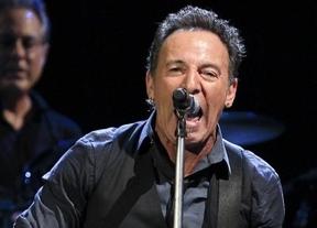 Bruce Springsteen levantó Sevilla con música de mensaje social y ánimos al 15-M
