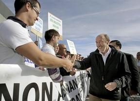 Rubalcaba dice que al que no le gusta Rajoy, con Feijóo toma