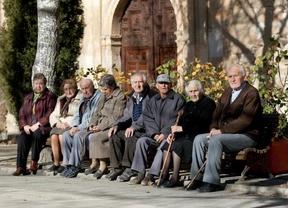 Los pensionistas: el último escudo de muchas familias contra la pobreza