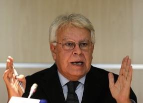 IU no quiere los honores para Felipe González que propone el PP