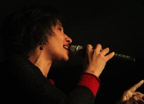 Única e irrepetible: Katia Márquez, la nueva voz de la siempre grande música cubana, recomienda que 'Hace falta corazón'