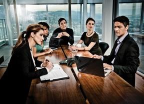 Oportunidades de negocio: emprende en el sector servicios, turismo e industria