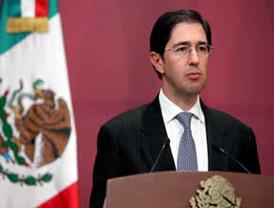 Encinas registra su plataforma electoral en el Estado de México