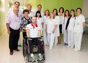 El Guardia Civil Román David Gómez recibe el alta del Hospital de Parapléjicos