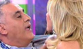 Sálvanos de 'Sálvame' y toda la telebasura: Rosa Benito agrede a un invitado en directo