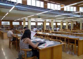 La UCLM convoca 133 becas de colaboración para estudiantes