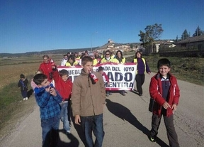 Recorren 18 kilómetros para pedir que se reabra la escuela de Cañada del Hoyo