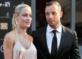 Pistorius, oficialmente acusado de asesinato con premeditación por la muerte de su novia Reeva Steenkamp