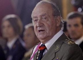 El Rey pide a los militares que cuiden los materiales... que estamos en crisis