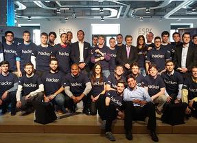 Telefónica lanzan las 'Becas Talentum Startups' para formar universitarios en empresas TIC