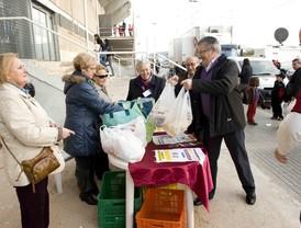 1.000 kilos de alimentos solidarios en el estadio Cartagonova