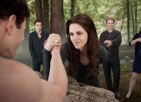 'Amanecer 2' logra 'Lo imposible': supera el récord de la película de Bayona