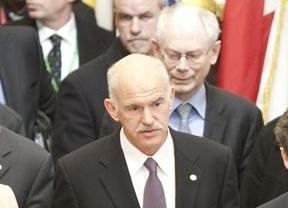 Papandreu convoca de emergencia al Gobierno para este mediodía: ¿Toca retirada?