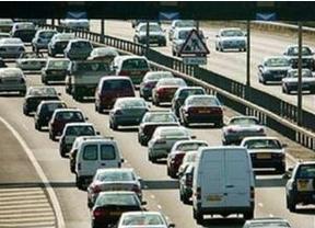 El parque automovilístico español se redujo un 1,2% en 2013, hasta 27,61 millones de unidades
