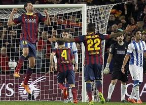 El Barça ya no necesita los goles de Messi: fácil victoria ante una Real que se quedó con diez muy pronto (2-0)