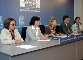La Diputación de Guadalajara y la Universidad de Alcalá crean la cátedra 'Manu Leguineche'