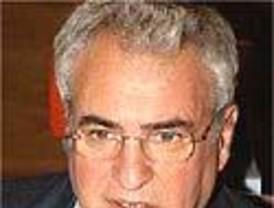 Hospitalizado Enrique Múgica, Defensor del Pueblo, por una dolencia cardíaca leve