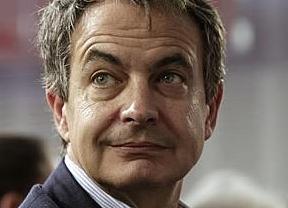 Zapatero cambia de discurso al ver perjudicada su imagen en la gira de presentación de su libro y presumir de recortes