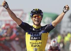 Vuelta: Roche gana la primera llegada en alto y Nibali ya se viste con el maillot rojo
