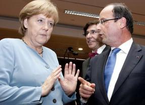 Merkel patea a Rajoy en el trasero de Hollande