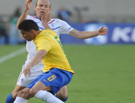 Carlos Guillén presenta molestias en la espalda