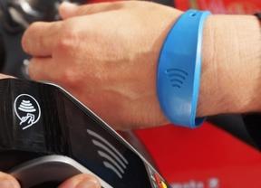 CaixaBank supera los 20.000 clientes de pulseras Visa