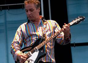 Peter Buck, ex guitarrista de R.E.M., vendrá de gira con Robyn Hitchcock